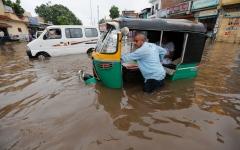 الصورة: الصورة: 154 قتيلاً حصيلة ضحايا الطقس السيء في الهند