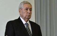 الصورة: الصورة: الرئيس الجزائري يجري تغييرات في مناصب عسكرية