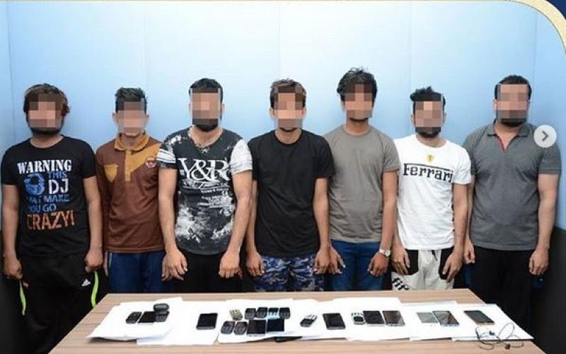 الصورة: الصورة: ضبط 3 عصابات آسيوية للاحتيال الهاتفي في أبوظبي