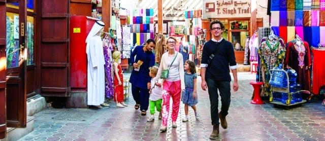 الأسواق التقليدية تعكس أصالة حياة دبي - البيان