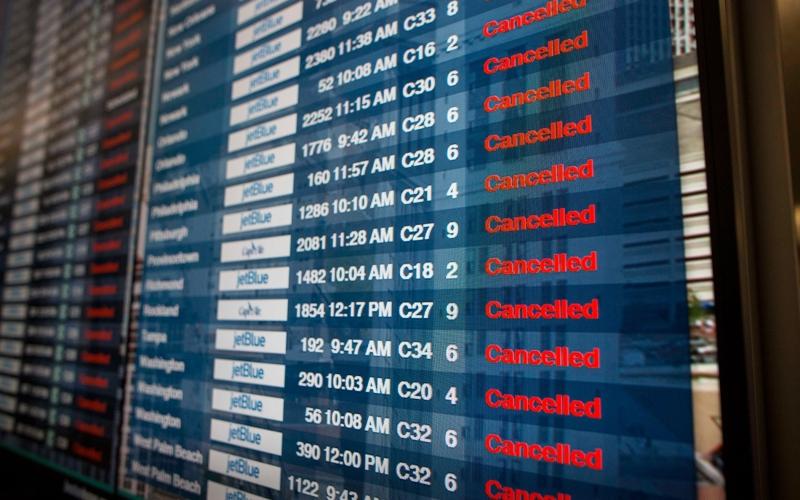 الصورة: الصورة: إلغاء عشرات الرحلات في مطار فرانكفورت بسبب سوء الأحوال الجوية