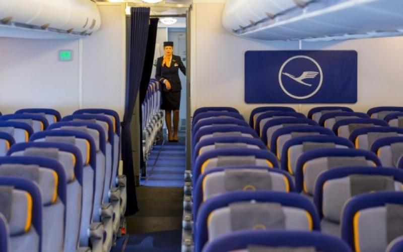 الصورة: الصورة: النافذة أولا... نهج جديد لصعود الطائرات