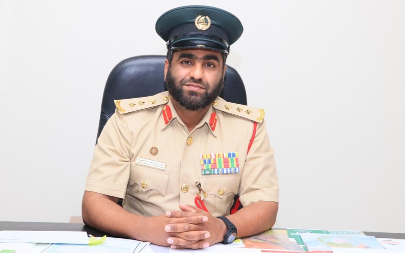 الصورة: الصورة: شرطة دبي تُنقذ حياة شاب اصطدمت دراجته المائية بكاسر حديقة الممزر