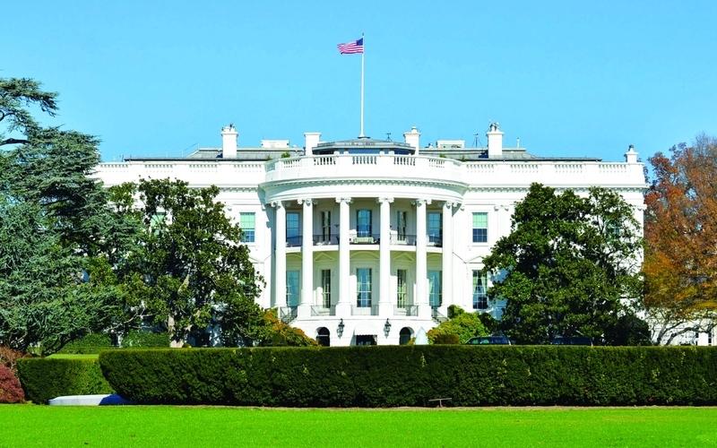 الصورة: الصورة: أمريكا تدرس تخفيض الضرائب لتفادي الركود