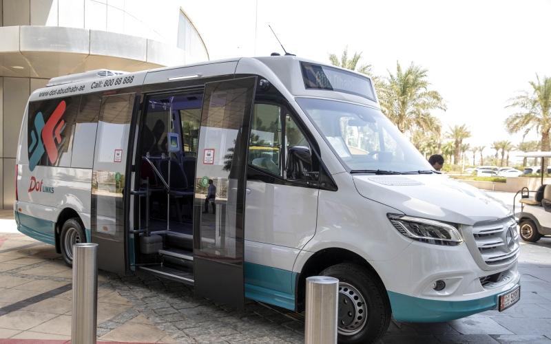 الصورة: الصورة: 40 حافلة تدخل شبكة النقل خلال أكتوبر في أبوظبي