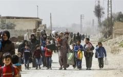 الصورة: الصورة: دمشق تعلن فتح معبر لخروج المدنيين من منطقة التصعيد في إدلب