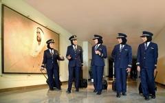 الصورة: الصورة: 5 مواطنات يقدن طائرات «الإمارات» إلى 5 قارات في يوم واحد