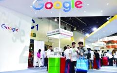 الصورة: الصورة: «جوجل» تنقل إنتاج الهواتف الذكية خارج الصين.. و«آبل» تقيل موظفين بسبب «سيري»