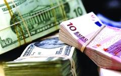 الصورة: الصورة: الدولار يستقر مع عزوف المستثمرين عن العملات مرتفعة المخاطر