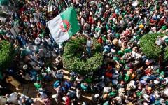 الصورة: الصورة: 3 سنوات سجناً لكل من يعرقل العملية الانتخابية في الجزائر