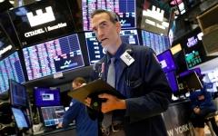الصورة: الصورة: تهدئة تجارية صينية وبيانات أمريكية تُنعش الأسهم العالمية