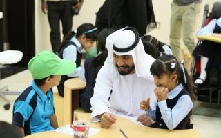 الصورة: الصورة: «ثقافية أبوظبي» تباشر مشروعات تحفيز الطلبة على القراءة