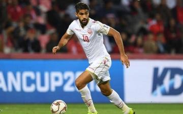 الصورة: الصورة: البحريني يوسف عبد الله أول خليجي في دوري أبطال أوروبا
