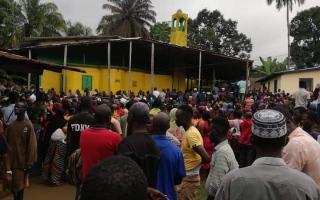 الصورة: الصورة: مقتل أكثرمن 26 تلميذا في حريق في مدرسة في ليبيريا