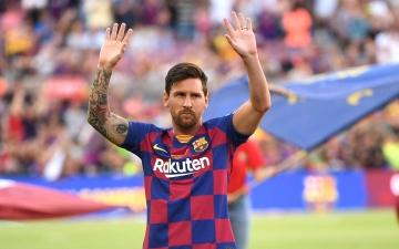 الصورة: الصورة: عمالقة الكرة: ميسي أفضل لاعب في التاريخ