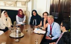 الصورة: الصورة: أعضاء لجنة دبي للاتصال الخارجي يستعرضون في لندن رؤية دبي للمستقبل
