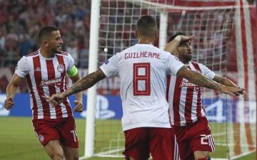 الصورة: الصورة: أولمبياكوس ينتفض ويتعادل 2-2 مع توتنهام