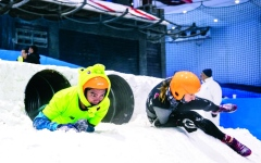 الصورة: الصورة: تحدي الثلج ينطلق في «سكي دبي» غداً
