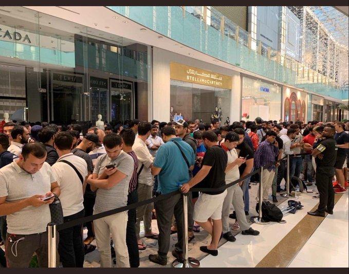 رسمياً ..إطلاق أيفون الإمارات اليوم