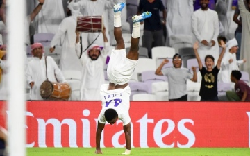 الصورة: الصورة: سعيد جمعة يقود العين لفوز ثمين على اتحاد كلباء 3-2