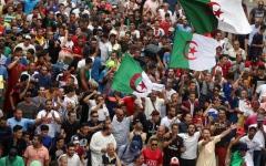 الصورة: الصورة: الجمعة الـ31 في الجزائر...إصرار على المطالب