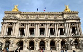 """الصورة: الصورة: أوبرا """"لا ترافياتا"""" في عصر التواصل الاجتماعي على مسرح غارنييه بباريس"""