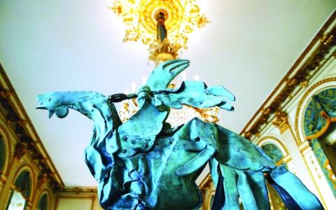 الصورة: الصورة: «ديك نوتردام» يظهر في باريس
