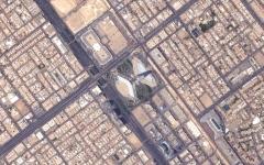 الصورة: الصورة: خليفة سات يهنئ الشعب السعودي على طريقته الخاصة