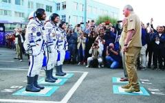 الصورة: الصورة: هزاع المنصوري: وصلنا بسلام إلى محطة الفضاء