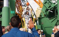 """الصورة: الصورة: تفاصيل اليوم الأول لـ """"هزاع المنصوري"""" على متن محطة الفضاء الدولية"""