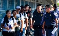 الصورة: الصورة: محكمة تعرقل قرار ترامب بترحيل المهاجرين غير الشرعيين