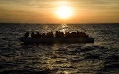 الصورة: الصورة: مسؤول جزائري يلجأ لـ «قوارب الموت» هرباً من العدالة
