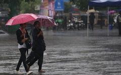 الصورة: الصورة: حصيلة ضحايا الأمطار في شمال الهند ترتفع إلى 120 قتيلا