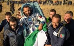 الصورة: الصورة: لماذا لا يسمح لرواد الفضاء بالمشي عقب عودتهم إلى الأرض؟