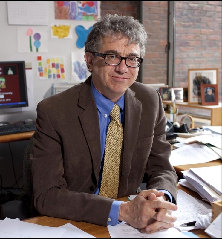 الصورة : جيفري فرانكل  - أستاذ تكوين رأس المال والنمو في جامعة «هارفارد».