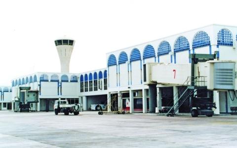 الصورة: الصورة: طائرات في سماء الخليج.. أعطال المحركات ونفاد الوقود أبرز أسباب السقوط