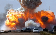 الصورة: الصورة: انفجار قرب موقع للقوات الأمريكية في سوريا