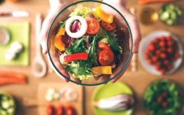 الصورة: الصورة: التغذية السليمة مرآة البشرة الصحية