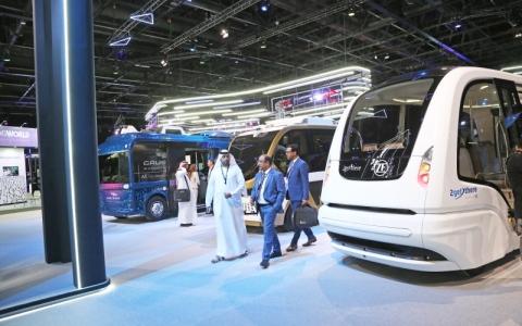الصورة: الصورة: حافلات ذاتية القيادة لمسارات محددة بدبي بعد سنتين