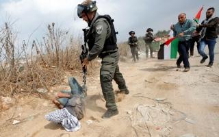 الصورة: الصورة: إصابة العشرات خلال اقتحام المستوطنين «قبر يوسف»