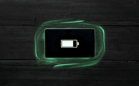 الصورة: الصورة: ابتكار بطارية هاتف خارقة غير قابلة للاحتراق