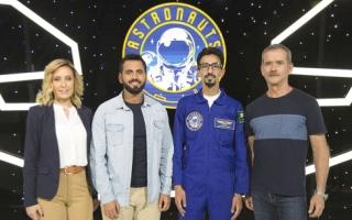 الصورة: الصورة: السعودي الزهراني يغادر تحدي «رواد الفضاء»