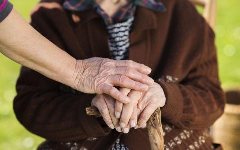 الصورة: الصورة: الكشف عن طريقة بسيطة لإطالة عمر الإنسان