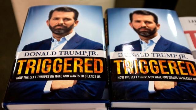 ابن دونالد ترامب يدافع عن والده في كتاب ويفكر بالترشح لرئاسة أمريكا - البيان