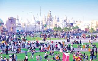 """الصورة: الصورة: القرية العالمية تنظم فعالية """"يوم اليوغا"""" بالتزامن مع تحدي دبي للياقة 2019"""