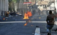 الصورة: الصورة: متظاهرون يقطعون الطرقات ويشلون الموانئ