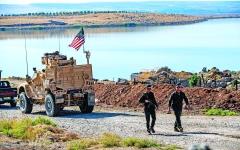 الصورة: الصورة: أمريكا تفرض الحماية بالنار على النفط السوري