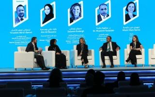 خبراء واقتصاديون دوليين يؤكدون: مستقبل الاستدامة قائم على الاستثمار بالطاقة المتجددة
