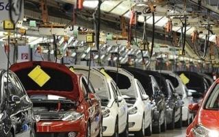 الصورة: الصورة: انكماش مبيعات المركبات العاملة بالطاقة الجديدة  في الصين