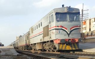 الصورة: الصورة: وفاة شاب مصري قفز من قطار .. بسبب سيجارة